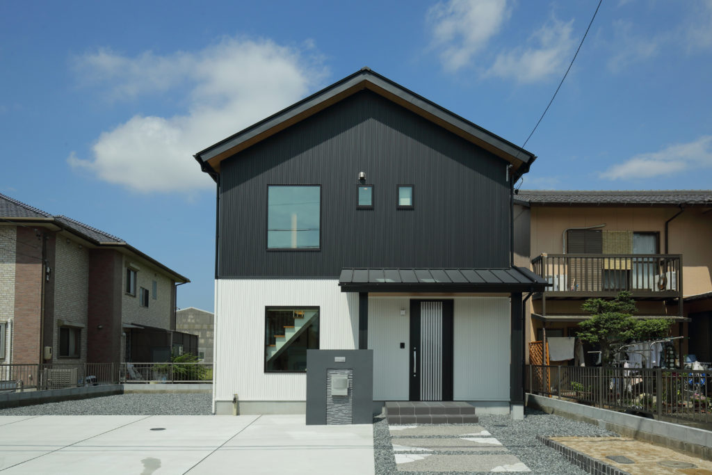 無垢材と漆喰で創る920万円の自然素材の住まい「WOODBOX」STANDARD(スタンダード) S-EW